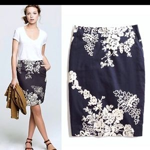 J crew Mirabel pencil Skirt blue/white embroidered